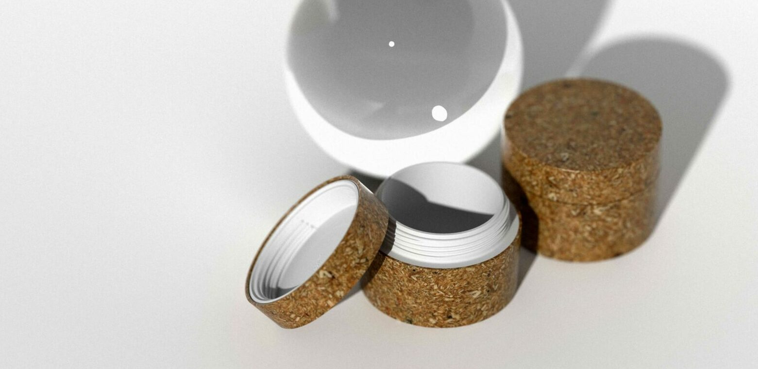 Sustainable jars for both oil and water-based cosmetics